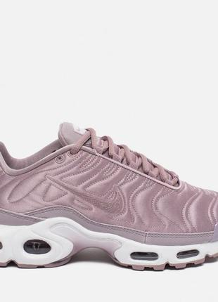 Женские кроссовки air max plus se nt satin pack plum fog/white