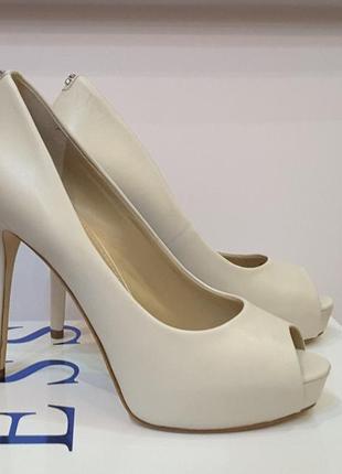 Guess, сша суперкожаные туфли , 36 р,стелька 23,5 см