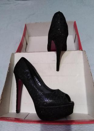 Нарядные кружевные туфли с открытым носком ideal размер 38