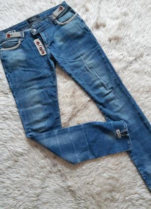 Интересные джинсы с низкой посадкой