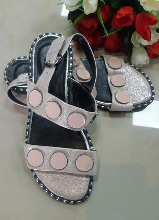 Кожаные босоножки, сандали