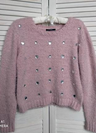 Пушистый свитер зефирка розового пудрового цвета со стразами с камнями