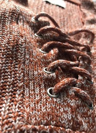 Кофта свитер со шнуровкой