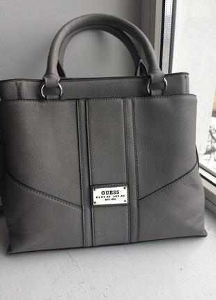 Идеальная фирменная сумочка сумка 25х23см