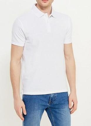Белое поло футболка