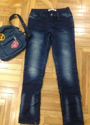 Утеплённые джинсы для девочки  по этикетке рост 152, 11-12 лет