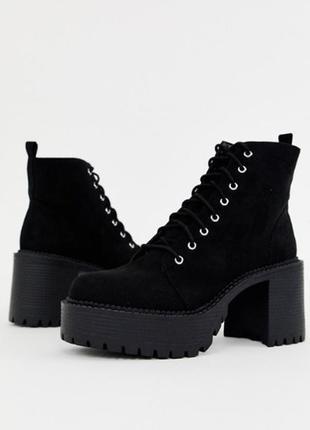 Массивные ботинки на каблуке со шнуровкой от asos