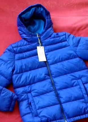 Новая демисезонная куртка от ovs. на мальчика 10-11 лет, на рост 146 см.