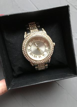 Часы chopard с камнями светлое золото