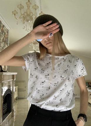 Белая футболка с прикольным принтом лама