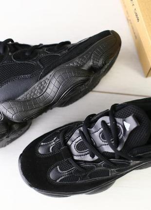 Новые стильные кроссовки из натуральных материалов