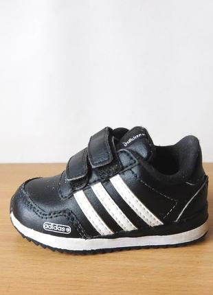 Кроссовки adidas 19 р. стелька 12 см