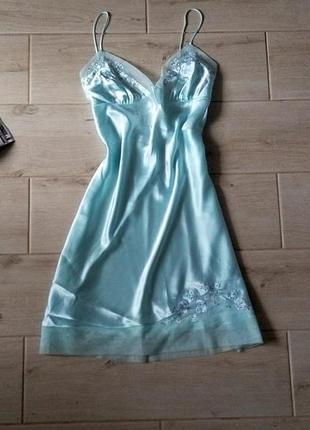 Нежная атласная ночнушка  пижама пеньюар с вышивкой сеточкой на тонких бретелях р. l xl