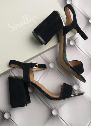 Shellys london оригинал стильные замшевые босоножки на широком каблуке бренд из сша