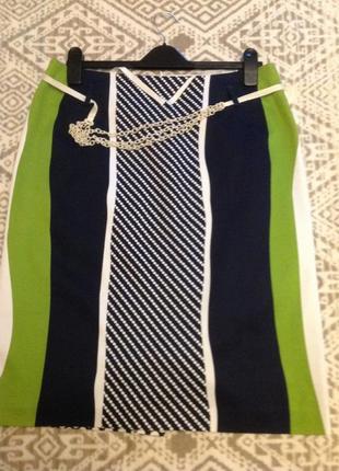 Летняя юбка с уникальным принтом.