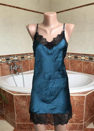 Обалденное изумрудное шелковое платье с французским кружевом в бельевом стиле