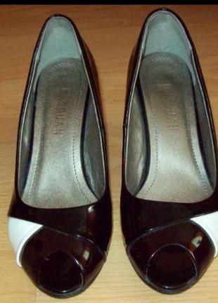 Лаковие туфли