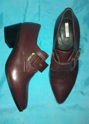 Шикарные кожаные туфли , полуботинки geox р 35 сост новых