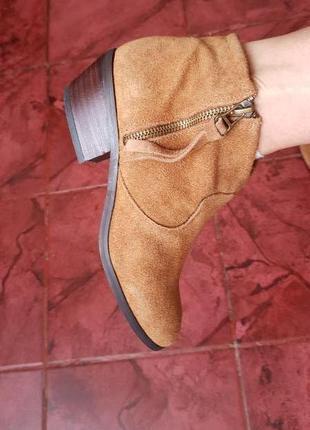 Ботинки на широком каблуке казачки kiabi англия