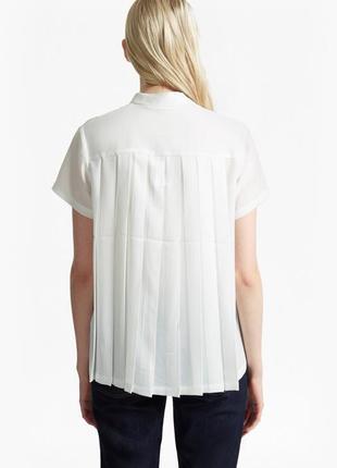 Блуза с необычной спинкой