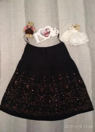 Шикарная чёрная юбка с вышивкой и пайетками от laura ashley