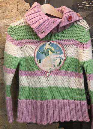 Очень красивый вязаный свитер