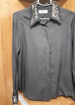 Блуза нарядная с паетками
