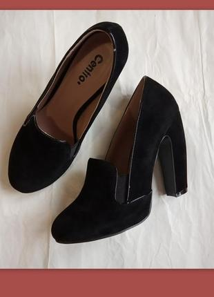 Крутые бархатные туфли 38 р. 24 см. хищный изогнутый каблук