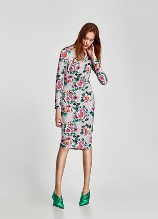 Платье с цветочним принтом от zara размер s