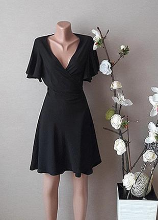 Стильное черное лёгкое платье.