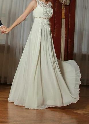 Свободное свадебное вечернее платье в греческом стиле