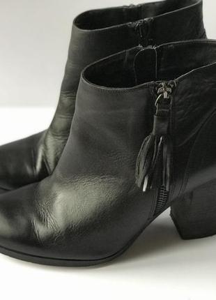 Шикарные кожаные ботинки ботильоны next 40-41 размер