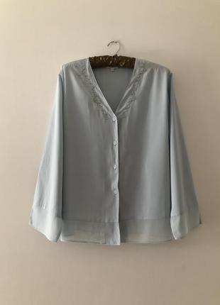 Нежная блуза с нежной вышивкой