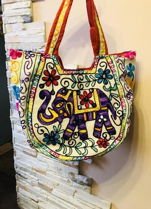 Яркая стильная пляжная летняя сумка в индийском стиле