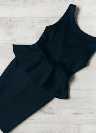 Плотное платье с баской imperial