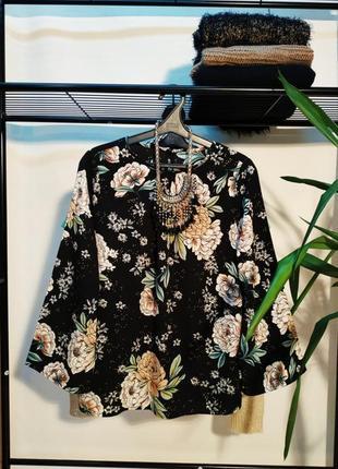 Красивая женская блуза крупный принт