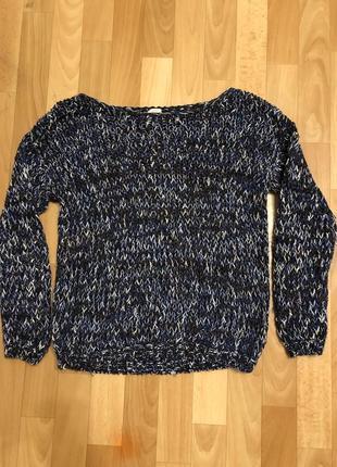 Продам красивый свитер bershka