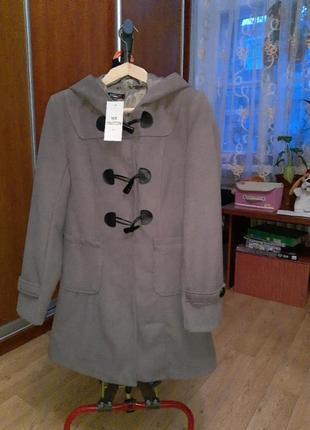 Пальто демисезонное кашемировое.