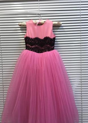 Супер нежное пышное бальное платье в пол из фатина и атласа насыщенно розового цвета