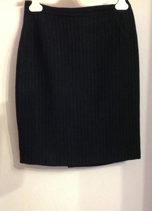Короткая шерстяная прямая итальянская юбка в полосочку./ s- m/ brend benini bruno