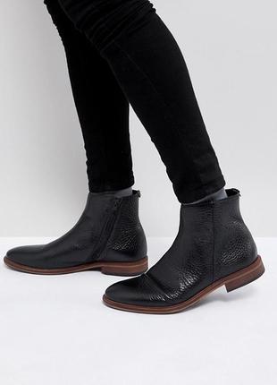 Кожаные ботинки на шнуровке в классическом стиле superdry