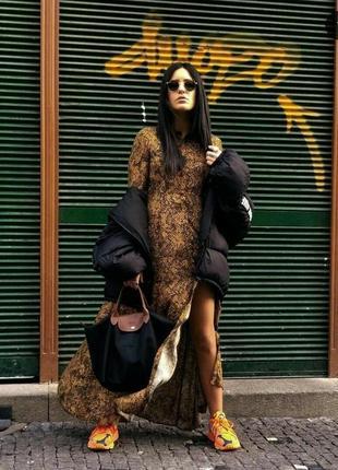Длинное макси платье принт под змеиную кожу zara