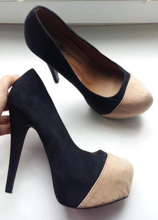 Эффектные туфли 37рр черные бежевые высокий каблук лабутены платформа шпилька