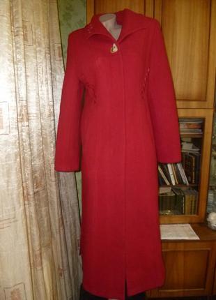 Красивое длинное теплое пальто осень-зима-весна,красное,пушистое,винтаж