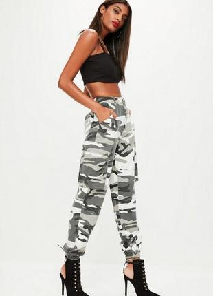 Крутые брюки карго джоггеры в стиле милитари с карманами missguided ms191