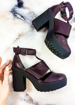 Неймовірні туфельки  кольору марсала new look