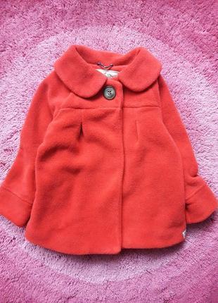 Фирменное флисовое пальто.