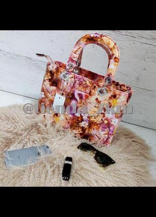 Женская сумка в стиле dior розовая с цветами и ангелами