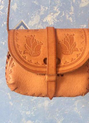 Кожаная миниатюрная сумочка ручной работы