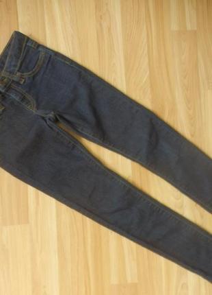 Фирменные джинсы скинни gap малышке 7 лет состояние новых